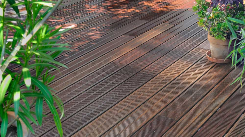 Passerella in legno per giardino bb73 regardsdefemmes - Mattonelle giardino ...