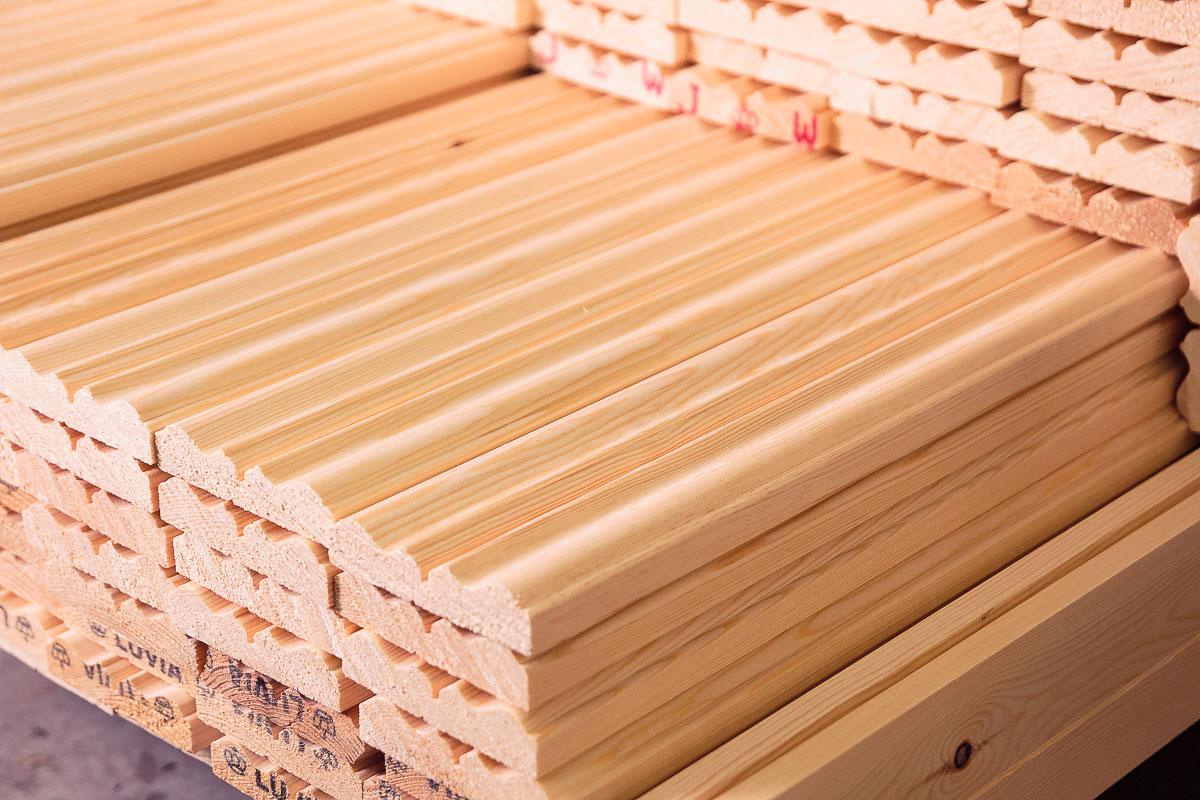 Semilavorati in legno falegnameria cornici e profili all for Finestre di legno prezzi