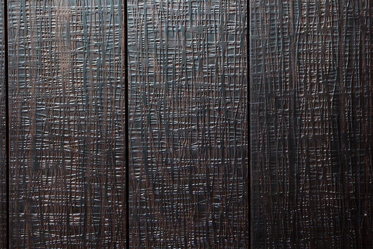 Rivestimento in legno con effetto rete