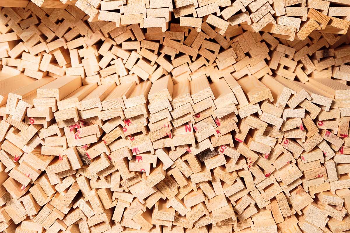 Cornici in legno intagliate e grezze per quadri vendita for Vendita cornici per quadri